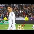 Sợ thất lạc, Ronaldo không để rời mắt khỏi chiếc giày vàng